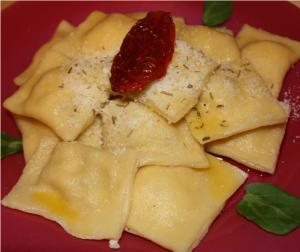Raviolis ricotta jambon tomates séchées parmesan